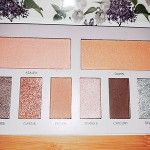Vegan make up, sakura and sage eye shadow pallet e